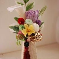 仏花レッスン~白花器で~の記事に添付されている画像