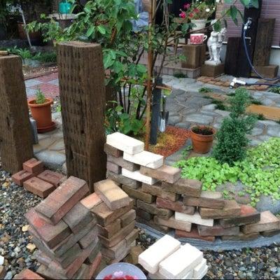 酒田 便利屋 おたすけ ガーデニング DIY 枕木 レンガ アーチ 庭づくりの記事に添付されている画像