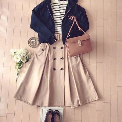 フーディ×トレンチスカート♡春っぽカジュアルコーデ♪の記事に添付されている画像