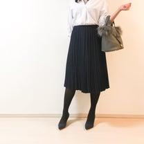 【UNIQLO】年中活躍するプリーツスカートで季節の変わり目コーデの記事に添付されている画像