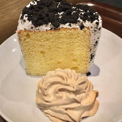 スタバ クッキー&クリームシフォンケーキの記事に添付されている画像