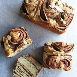 画像 新メニュー!糖質制限チョコマーブル食パン の記事より
