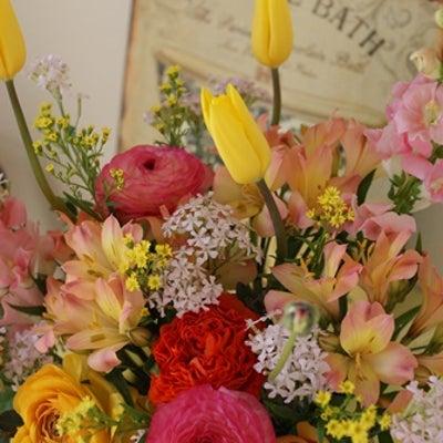 【今日のFlower note】卒園式に子供が喜ぶ花の色は♪の記事に添付されている画像