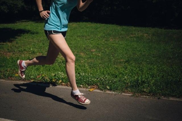 運動前は軽くジョギング
