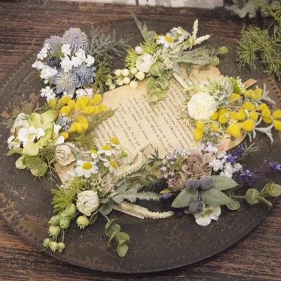 小さな花束のようなナチュラル系コサージュ紹介✨の記事に添付されている画像