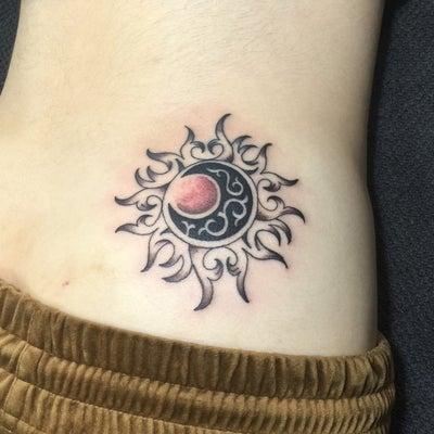 刺青★太陽と月のデザイン(ペア)ファーストタトゥー!の記事に添付されている画像