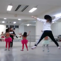 パージャンプ チアダンスA1 キッズガーデン高津教室 火曜日15:30 幼児クラの記事に添付されている画像