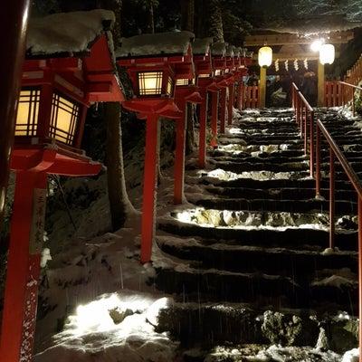 【京都】幻想的な夜景に遭遇!雪の貴船神社の記事に添付されている画像