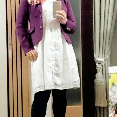 何か白いものを着る春コーデの記事に添付されている画像
