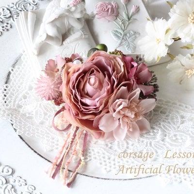 春の大活躍のコサージュ♡の記事に添付されている画像