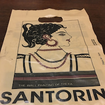 サントリーニ島のお土産の記事に添付されている画像