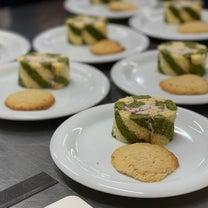 ストライプロールケーキとジンジャークッキーの記事に添付されている画像