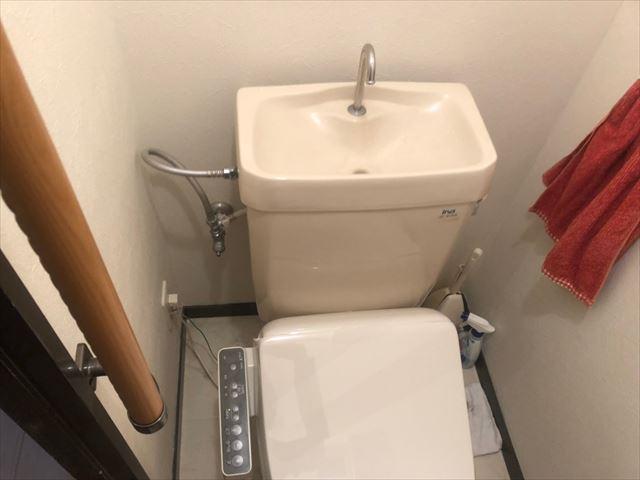 トイレの水漏れ~給水ホース交換~