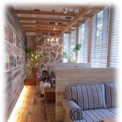『リビングデスク窓廻りにもおすすめ!木製ブラインドの魅力☆』の記事に添付されている画像