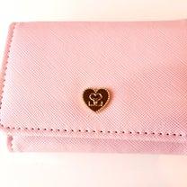 ピンクのミニ財布を引き寄せた♡の記事に添付されている画像