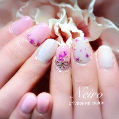 ピンクのドライフラワーのネイル♡の記事に添付されている画像