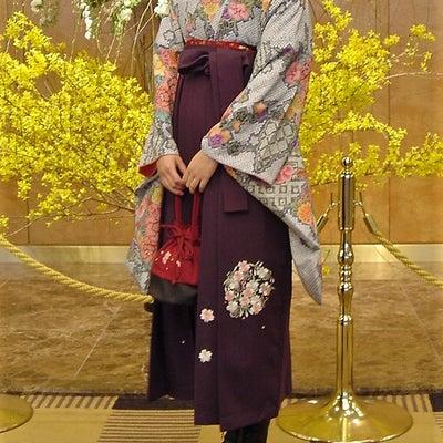 袴女子の記事に添付されている画像