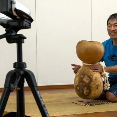 イプヘケを演奏している動作撮影の記事に添付されている画像