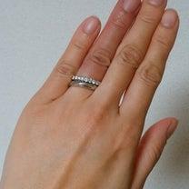 結婚指輪。 そして、コメントへの返信の記事に添付されている画像
