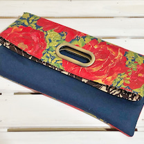 大輪のバラ柄生地で作った2wayバッグと『minneお買い物クーポン』のお知らせの記事に添付されている画像