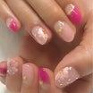 春らしいピンクとフラワーネイル