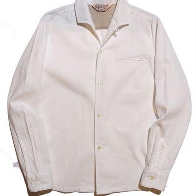 様々な白シャツがありますが、BOXシルエットの白シャツは珍しいですよ!!!の記事に添付されている画像