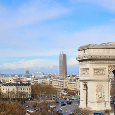 パリ凱旋門の今の様子/寝逃げの記事に添付されている画像