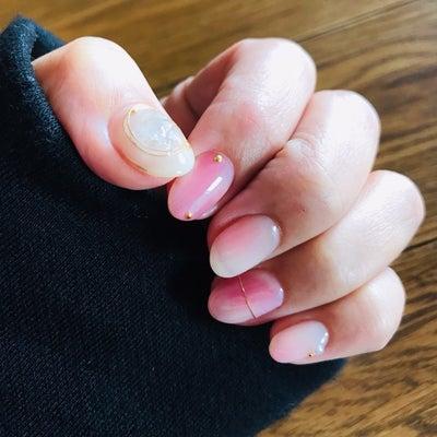 桜色チークネイルの記事に添付されている画像