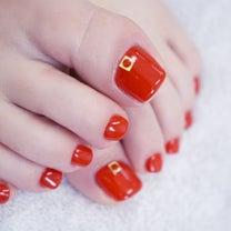 真っ赤なフットネイルに魅せられて♡の記事に添付されている画像