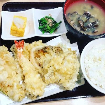 天丼てんや 『天ぷら盛りだくさん定食』の記事に添付されている画像