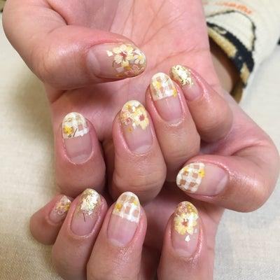 イエローネイル☆春らしいネイルを。の記事に添付されている画像