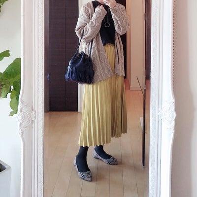 ネイビーはカラースカートと相性抜群♡の記事に添付されている画像