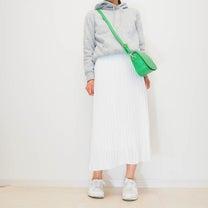 予想以上におしゃれアイテムで大満足した白のプリーツスカートの記事に添付されている画像