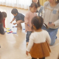◆文房具だってこんなに楽しい遊びアイテムに(3/18あんよクラス③)の記事に添付されている画像