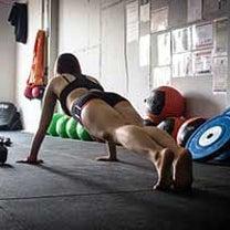 姿勢をよくする方法の簡単な技とそれを維持するための筋トレをご紹介の記事に添付されている画像