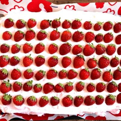 【簡単!お祝いやおもてなしに♪】ふわふわシートスポンジdeウエディングケーキ^^の記事に添付されている画像