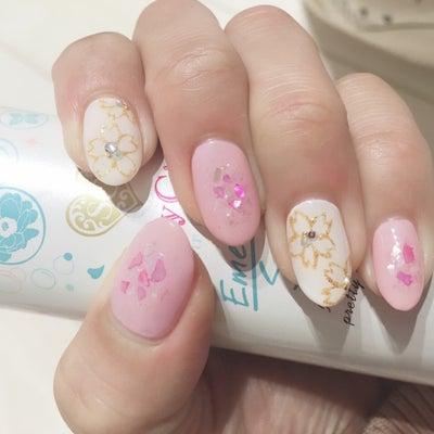 Newジェルネイル~桜アート~!の記事に添付されている画像
