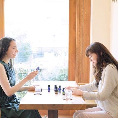 調香師・川上智子さん対談の記事に添付されている画像