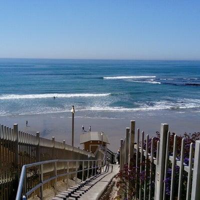 カリフォルニアらしいビーチの記事に添付されている画像