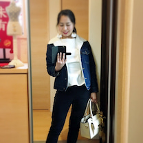【今日のコーディネート】春の白カットソー着回しコーデ②の記事に添付されている画像