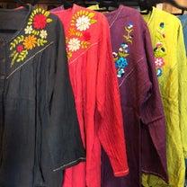 お花の手刺繍 ダブルガーゼトップスの記事に添付されている画像