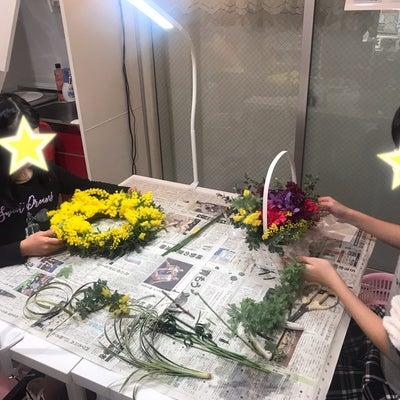 レッスンレポ‼️【フラワーアレンジ教室】生花ミモザリースその⑤の記事に添付されている画像
