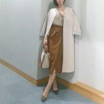 【coordinate】ブラウン系のタイトスカートで大人女子系オフィスコーデの記事に添付されている画像