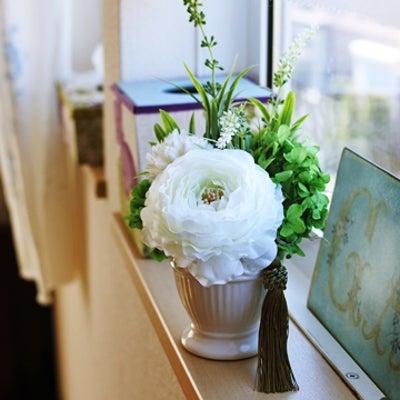 お供えの花パート2は白とグリーンな感じで作りたいです^^の記事に添付されている画像