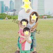 シンガポールで最後の家族写真/メイドインバングラデシュの記事に添付されている画像