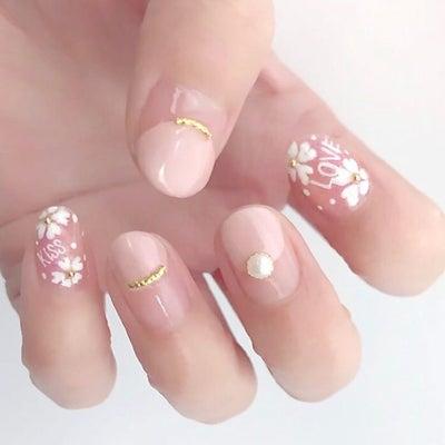 春は桜で!手描きの桜ネイルにチャレンジしようの記事に添付されている画像