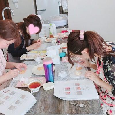 【レッスンレポート】子連れでも楽しめる♪春のパリ風アイシングクッキーレッスン5の記事に添付されている画像