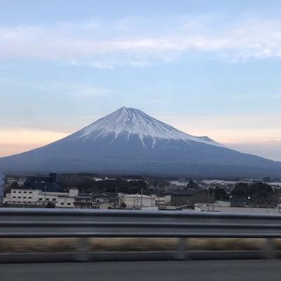 宇宙の元旦の前祝いの富士山とお月さまの記事に添付されている画像