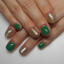 深爪矯正ビフォーアフター 春の緑色/青山ネイルサロンアリュームの記事に添付されている画像