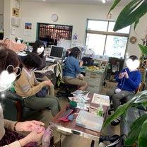 事務所での編み物とパンドラハウス手編み講座の記事に添付されている画像